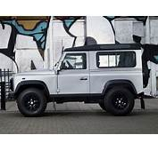 Land Rover Defender 90 Station Wagon X Tech 2011