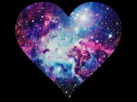 imagenes galaxy love galaxy heart animated gif 2394825 by lauralai on favim com