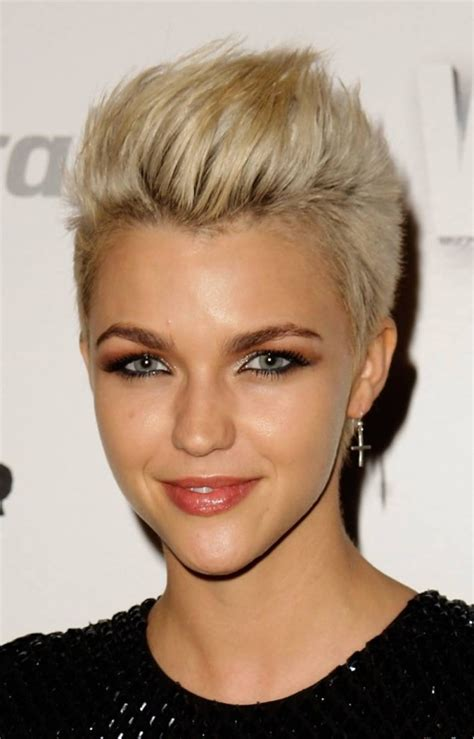 how to style super short blond hair top super short celebrity hair styles