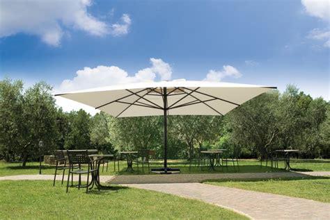 terrasse 5x5m grand parasol pour terrasse et piscine en alu 5x5m