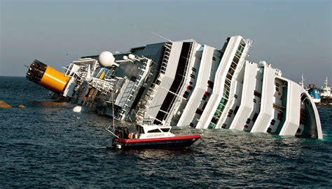 boat crash europe ship passengers tell of delayed then panicked evacuation