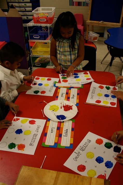 s day ideas for kindergarten 25 best ideas about color activities kindergarten on