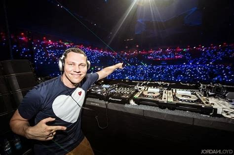 tiesto house music tigerlily tiesto s club life radio show