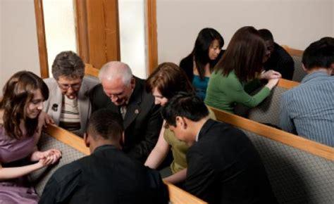 imagenes de iglesias orando la oraci 243 n comunitaria 187 mario revel