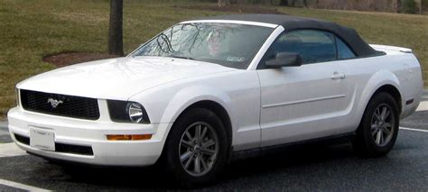 file 05 09 ford mustang v6 convertible jpg
