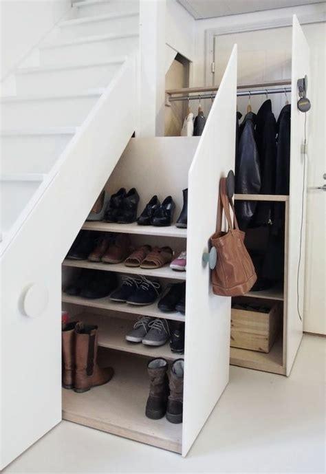 Rangement Chaussures Sous Escalier 4246 by 1000 Id 233 Es 224 Propos De Placard 192 Chaussures Sur