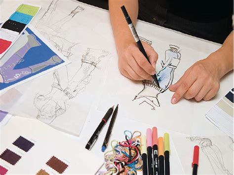 become a designer how to become a fashion designer in the us