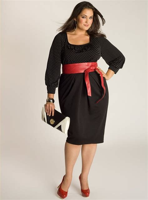 get glamorous and chic black dresses for plus size