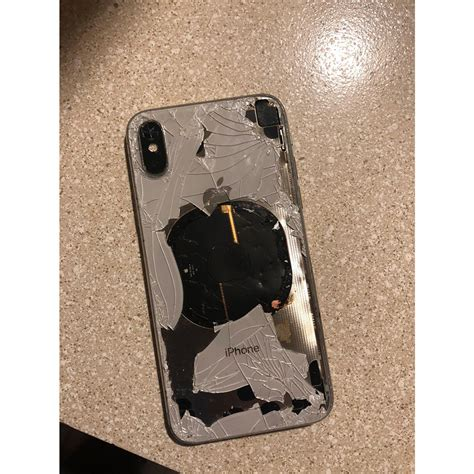 apple investigating iphone   exploded  updating