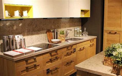 Kitchen Drawers Vs Cabinets by