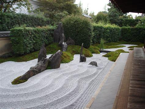 Sandstone Gardens by Garden Adam Goerdt