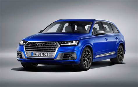 Audi X5 photo comparison bmw x5 m50d vs audi sq7 tdi
