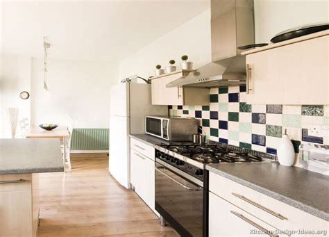 Whitewash Kitchen Cabinets by Pictures Of Kitchens Modern Whitewashed Cabinets