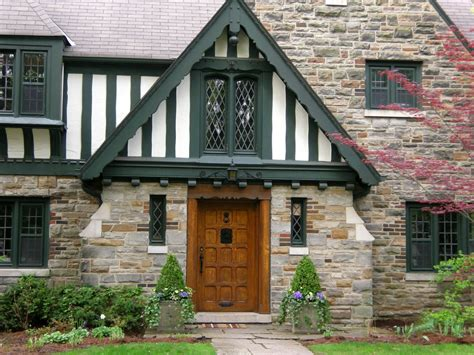 buying older homes things to be aware of when buying an older home