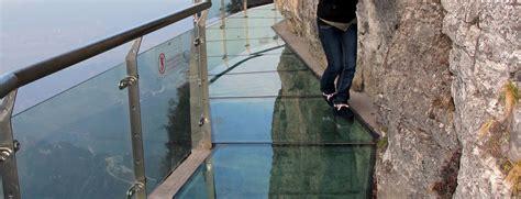 schiebetüren glas aussenbereich glas im au 223 enbereich vord 228 cher windf 228 nge aus glas