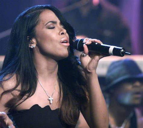 biography movie about singer 7 facts about aaliyah get the scoop before you watch the