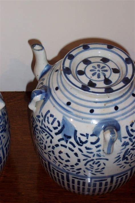 Vintage Antique Blue White Ornate Teapot High Tea Edwardian Floral Porcelain Eur 38 62 Pair Of Vintage Blue And White Tea Pots For Sale Antiques Classifieds