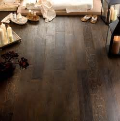 Ceramic Floor Tile That Looks Like Wood Wood Look Tile 17 Distressed Rustic Modern Ideas