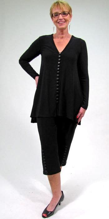 Peplum Top Duo Colours sympli duo top sleeve and what looks like capris