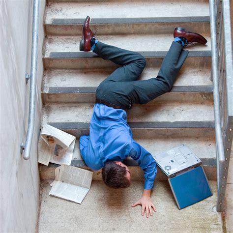 cadere dal letto caduta dal letto idea d immagine di decorazione