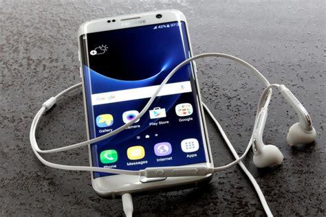 best smartphone display 6 best smartphones with amoled display insider monkey