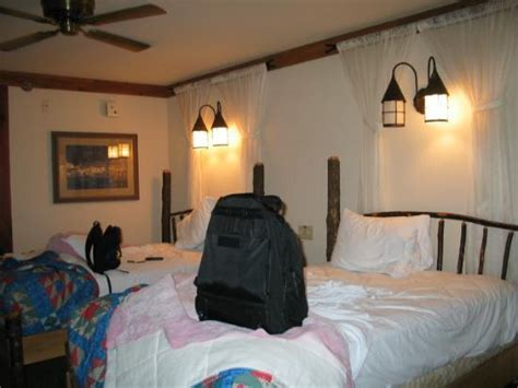 the lived in room what a quot lived in quot room looks like 04 picture of disney s port orleans resort riverside