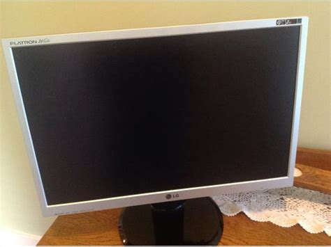 Monitor Lg Flatron E1642c lg flatron wide monitor saanich