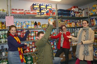 Chicago Food Pantry Volunteer by Oy Chicago