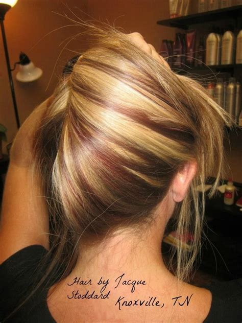 hottest blonde hairstyles  red highlights