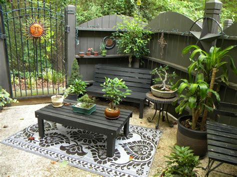 Backyard : Modern Backyard Patios With Backyard Patios On