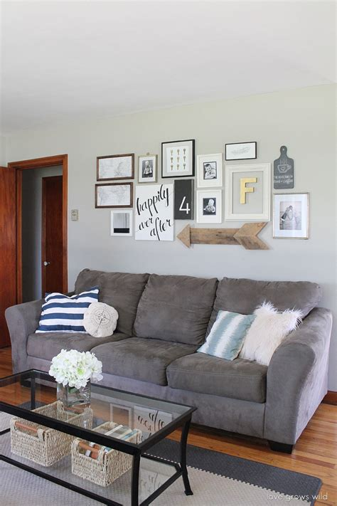 10 ways to fill the space above your sofa living room details grows