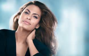 Bench Perfume Eva Mendes As The New Face Of Estee Lauder S New Dimension