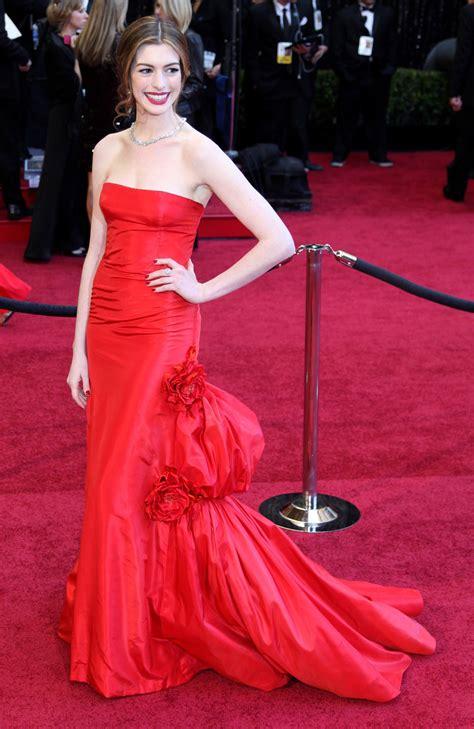 Hathaway In Fashioned 2 by Los Mejores Momentos Fashion De La Historia De Los Oscar