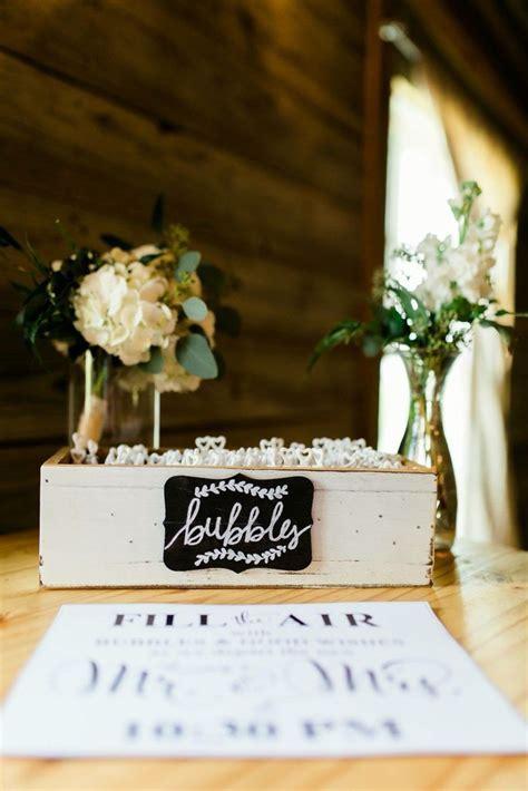 25  best ideas about Wedding bubbles on Pinterest   Diy