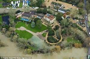 george clooney houses inside george and amal clooney s 17th century mansion in