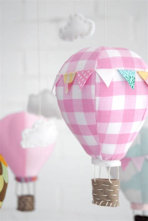 handmade air balloon mobile for babyapplepins