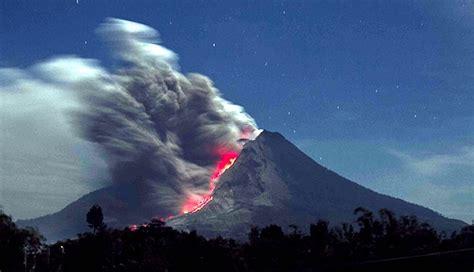 gambar gunung gunung sinabung jpg gambar bencana alam gunung sinabung gambar 06