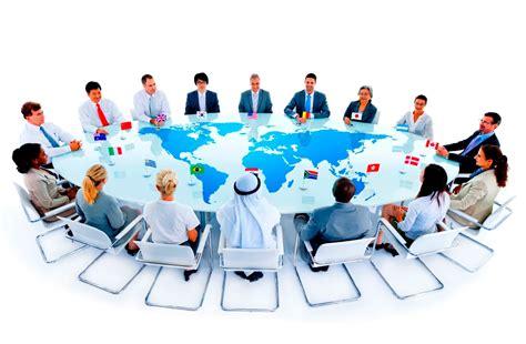Komunikasi Antarbudaya Satu Perspektif Multidimensi tujuan dan dimensi komunikasi antar budaya irman fsp