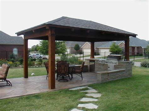 25 best ideas about covered outdoor kitchens on pinterest various best 25 small covered patio ideas on pinterest