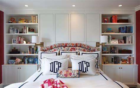 porta tv a muro con mensola libreria in nicchia con mensole incassate a muro mobili