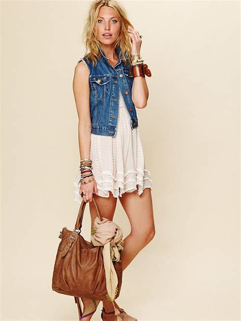 How To Dress On A by 20 Style Tips On How To Wear Denim Vests Gurl Gurl
