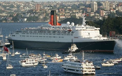 the queen elizabeth 2 qe2 explore royal museums greenwich 50 facts about the qe2