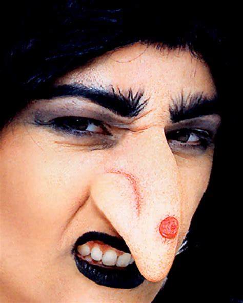How To Make A Witch Nose Out Of Paper - witch nose with wart as application horror shop