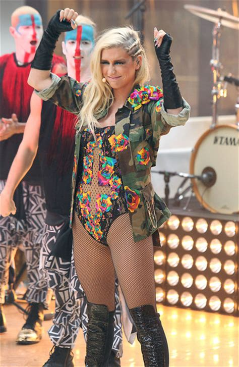 today show blonde kesha pictures kesha performs on the today show zimbio