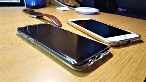 galaxy   iphone   screen  camera comparison