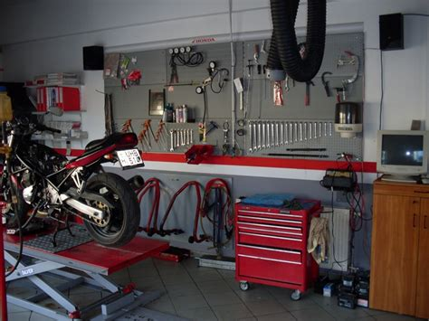 Hu Motorrad by Service Salamon Motor Sopron