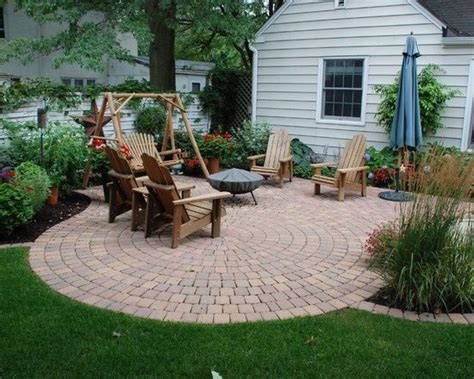 backyard off m 225 s de 1000 ideas sobre circle driveway landscaping en