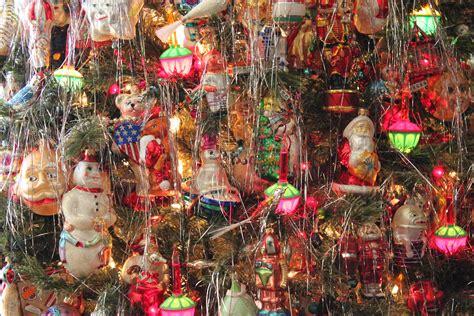 christmas tree decorations christmas tree decorations christmas kitsch archives i heart xmas blog