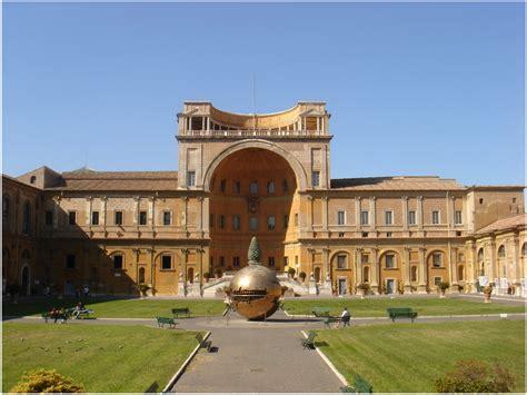cortile belvedere bramante mus 233 es vatican rome italie cap voyage