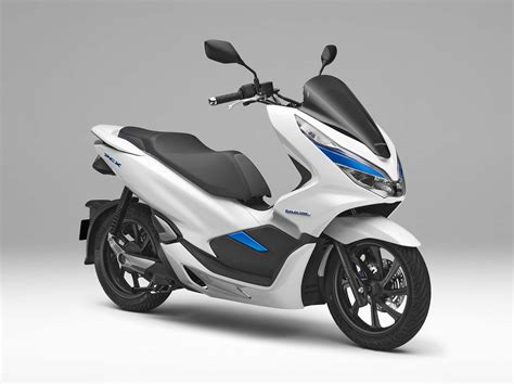 Pcx 2018 Gold by Honda Debuts Hybrid And Electric Scooters For 2018